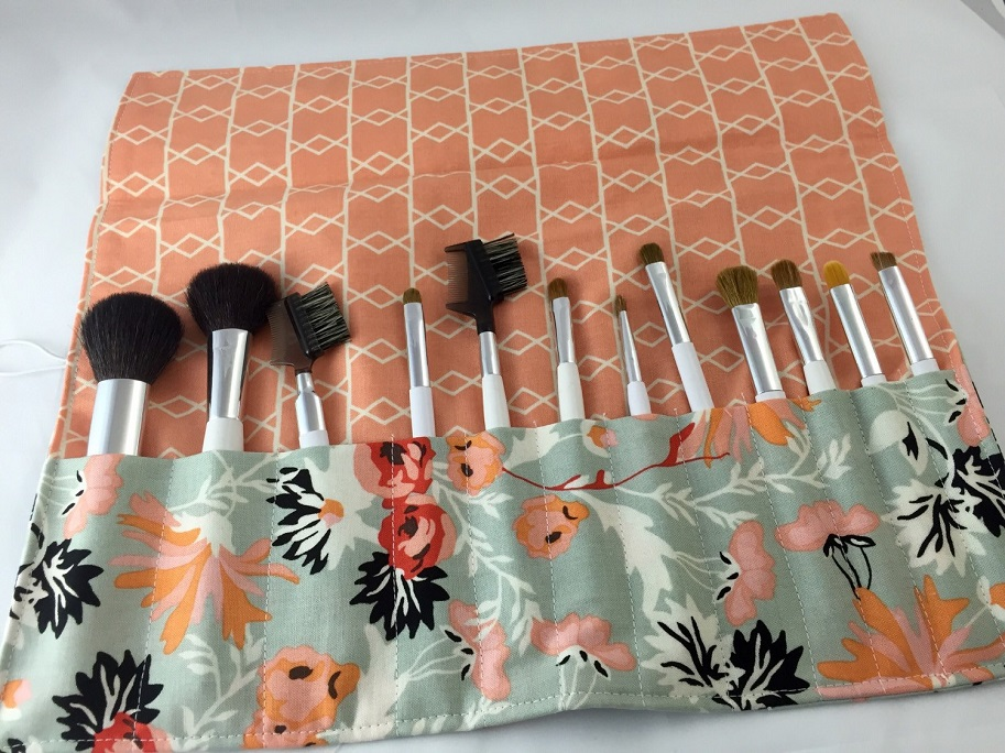 store makeup brushes